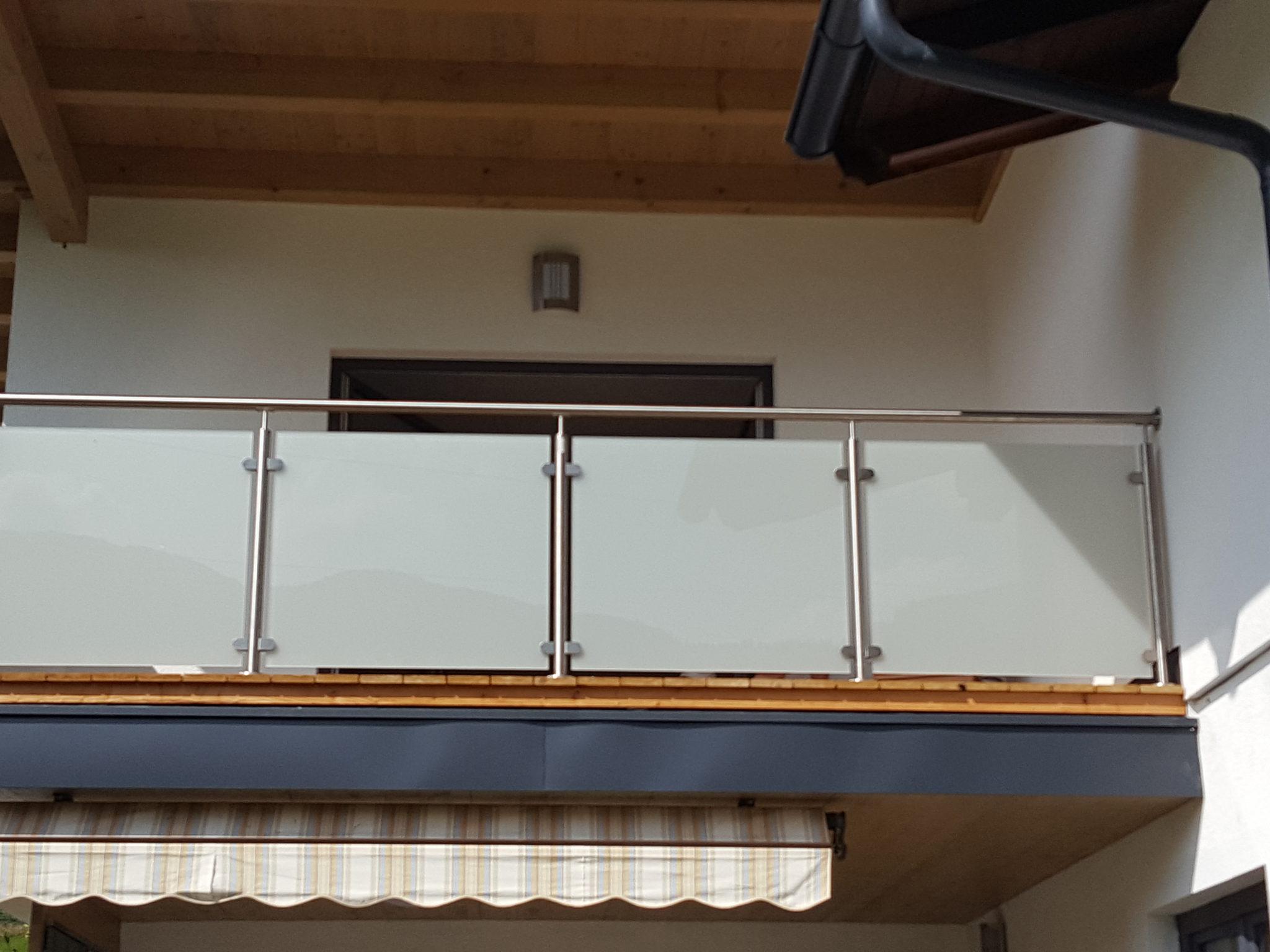 balkongel nder mit glas sofortige preisanzeige. Black Bedroom Furniture Sets. Home Design Ideas
