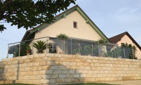 Glasgeländer, Balkongeländer mit Glas, Terrassengeländer mit Glas, Edelstahlgeländer mit Glas